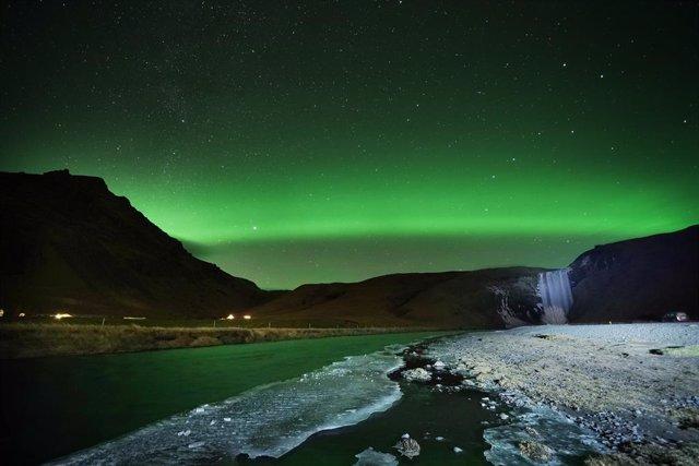 Coronavirus.- Islandia endurece las medidas de restricción tras los repuntes de