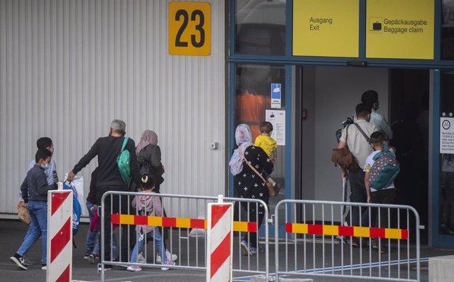 Europa.- El Gobierno griego acusa a cuatro ONG de espionaje y tráfico de seres h