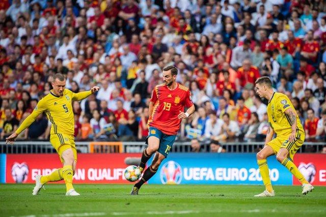 Fútbol/Selección.- Fabián Ruiz no se podrá concentrar con la selección por la si