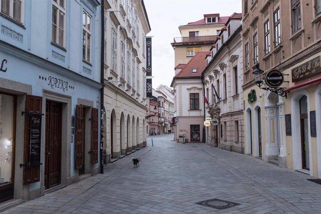 Coronavirus.- Eslovaquia bate por tercer día consecutivo sus cifras récord de co