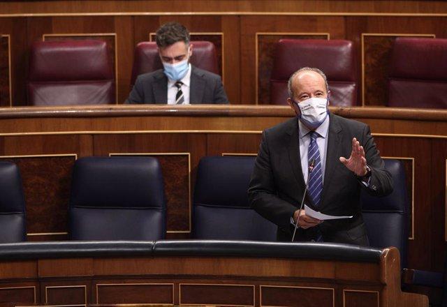 """Campo dice que el Rey viaja el viernes a Barcelona porque """"ya no es 1 de octubre"""