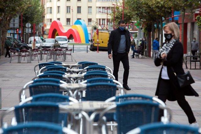 UE.- Los rebrotes paralizan la recuperación de la eurozona, con España a la cola