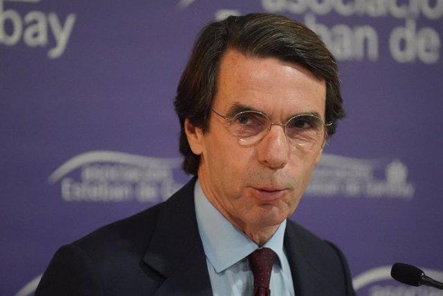 """Aznar ve en la """"deslegitimación"""" del Rey un paso al cambio de régimen: """"España s"""