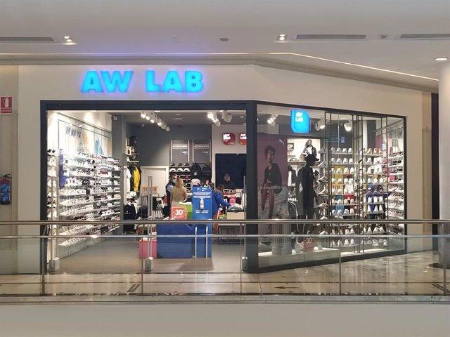 La cadena de sneakers AW Lab abre en Vallsur su primera tienda de Valladolid