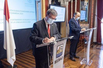 El Ayuntamiento de Bilbao y Euskaltzaindia se unen en el fomento y normalización del uso del euskera en la ciudad