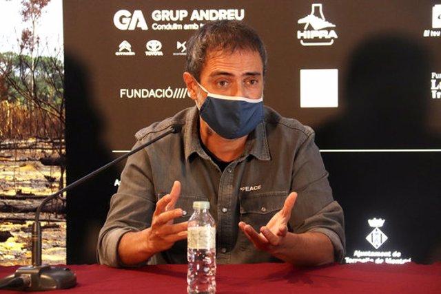Pla tancat del director de l'espectacle 'Bouvetya', Julio Manrique, durant la roda de premsa de presentació de l'obra el 5 d'octubre de 2020 (Horitzontal)