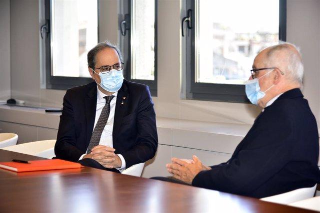 (E-D) L'expresident de la Generalitat, Quim Torra, i el síndic de greuges de Catalunya, Rafael Ribó, es reuneixen a la seu del Síndic. Barcelona (Espanya), 5 d'octubre del 2020.