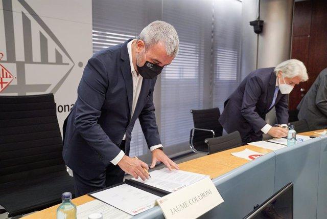 El primer tinent d'alcalde de Barcelona, Jaume Collboni, ha presidit aquest dilluns la signatura d'un acord de col·laboració amb els principals sindicats i patronals per potenciar una mobilitat més sostenible, eficient i segur.