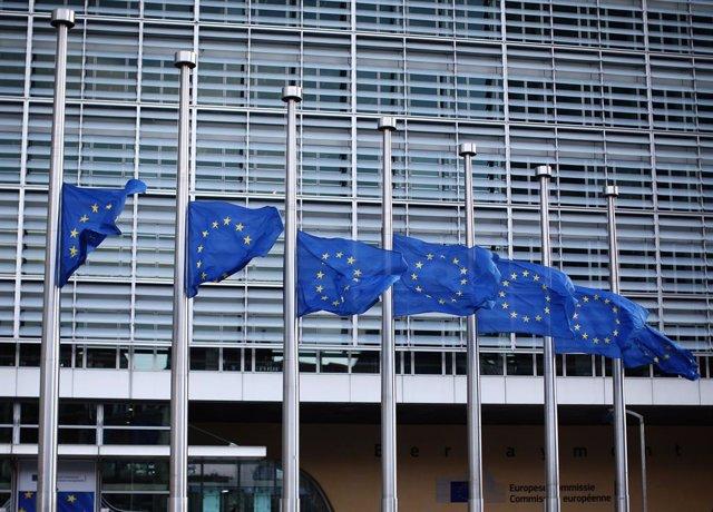UE.- La confianza de los inversores de la eurozona se mantiene en octubre, según