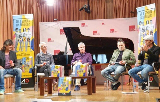 """Andrés Calamaro, en el 30 aniversario de Los Rodríguez: """"'Sin documentos' fue un"""