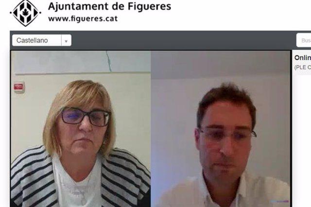 La regidora d'Hisenda, Maria Gratacós i el regidor de Junts per Figueres, Jordi Masquef, durant la celebració del ple telemàtic d'aquest 5 d'octubre del 2020. (Horitzontal)