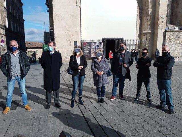 Las visitas guiadas a la Catedral Santa María y a la Muralla de Vitoria incorporan realidad virtual