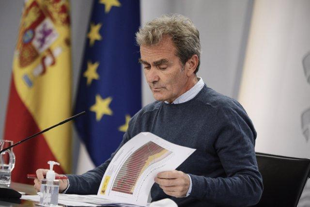 El director del Centro de Coordinación de Alertas y Emergencias Sanitarias (CCAES), Fernando Simón, comparece en rueda de prensa en Moncloa, para informar de la evolución de la pandemia, en Madrid (España), a 5 de octubre de 2020.