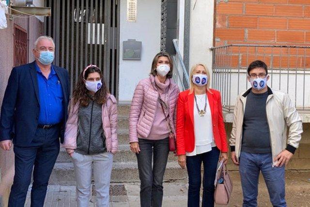 L'acte de presentació de la iniciativa del PP contra les ocupacions il·legals, amb Llanos de Luna i Maria Àngels Olmedo al centre, aquest 5 d'octubre del 2020. (Horitzontal)