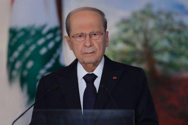 Líbano.- Aoun no firma el cese de tres funcionarios imputados por las explosione