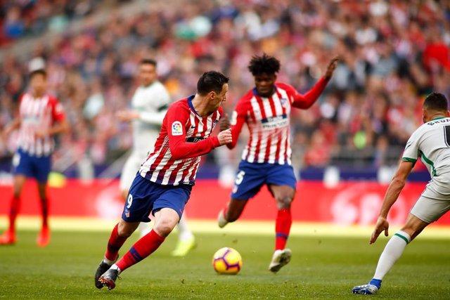AMP.- Fútbol.- El Atlético traspasa a Nikola Kalinic al Hellas Verona y cede a N