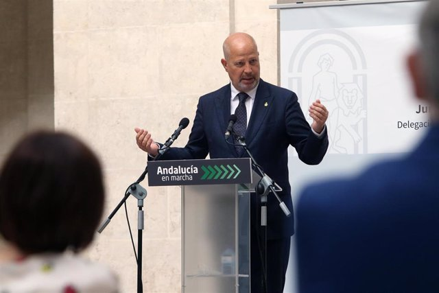El consejero de Educación y Deporte, Javier Imbroda