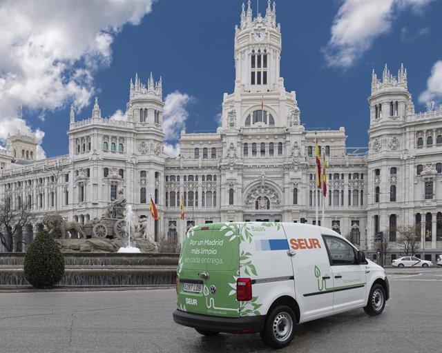 Vehículo de SEUR en Madrid