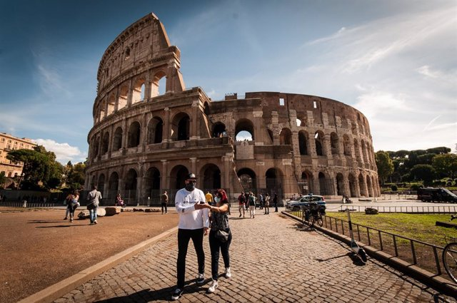 Coronavirus.- El Gobierno italiano impondrá la obligatoriedad de la mascarilla a