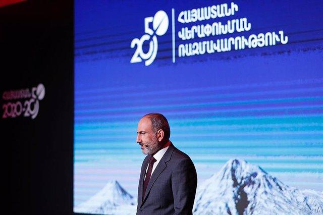 """Armenia/Azerbaiyán.- Armenia pide un alto el fuego """"inmediato"""" en la región de N"""