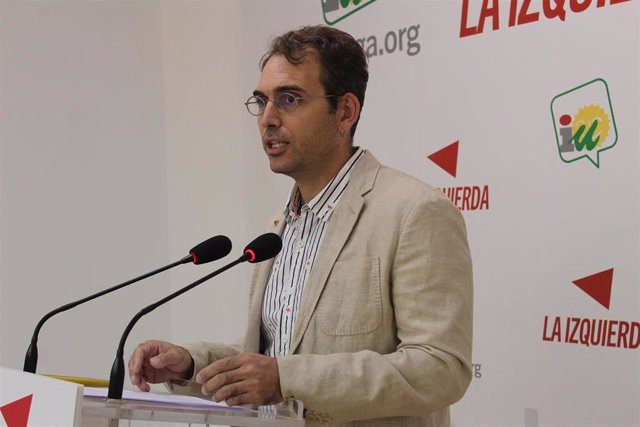 El coordinador general de IU Andalucía y portavoz de Adelante Andalucía, Toni Valero.