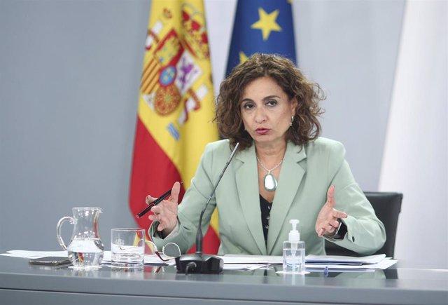 La ministra portavoz y de Hacienda, María Jesús Montero, comparece en rueda de prensa posterior al Consejo de Ministros en Moncloa, en Madrid (España), a 6 de octubre de 2020.