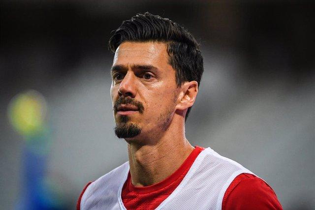 Fútbol.- José Fonte da positivo y Domingos Duarte le sustituye ante España