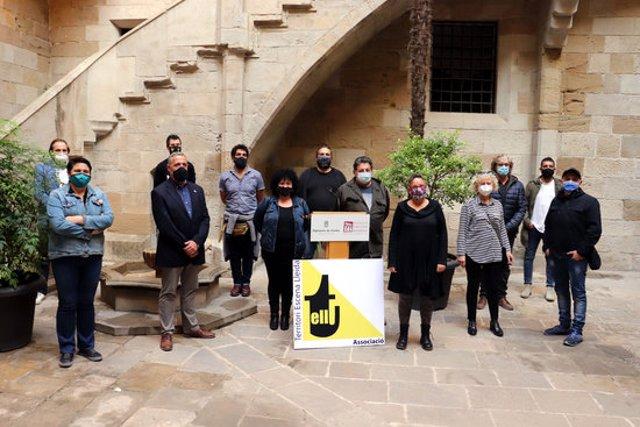 Pla obert de la presentació a l'IEI de Lleida del Catàleg Tardor a Escena, el 6 d'octubre del 2020. (Horitzontal)