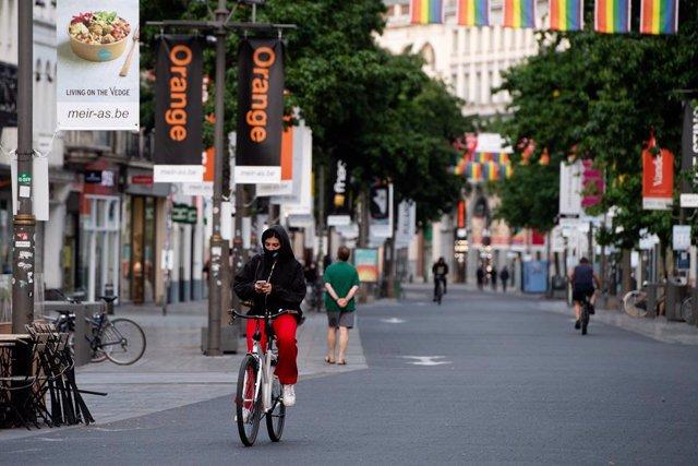 Coronavirus.-Bélgica limita a 4 los contactos y cierra bares y restaurantes a la