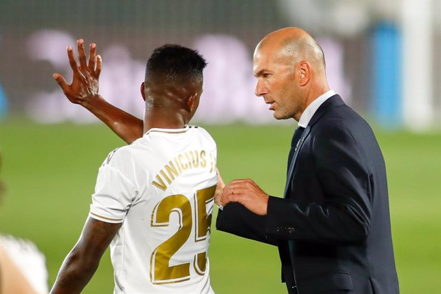 """Fútbol.- Vinicius Jr: """"Es un lujo trabajar con Zidane, lo explica todo claro"""""""