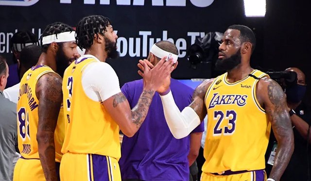 Baloncesto/NBA.- Los Lakers rozan el anillo tras sumar su tercera victoria en la