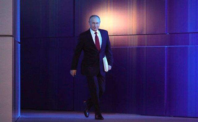 """Armenia/Azerbaiyán.- Putin pide un alto el fuego """"lo antes posible"""" en Nagorno K"""