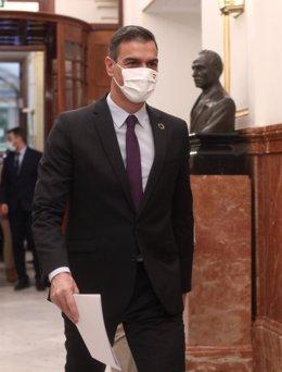 El presidente del Gobierno, Pedro Sánchez, a su llegada a una nueva sesión de control al gobierno en el Congreso de los Diputados, en Madrid, (España), a 30 de septiembre de 2020. En esta sesión los populares llevan una interpelación al Gobierno para que