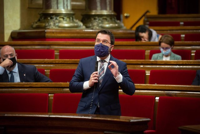 El vicepresident en funcions de president, Pere Aragonès, en el ple del Parlament.
