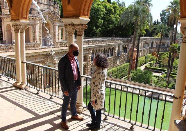 Muñoz y la responsable del Alcázar en el recinto