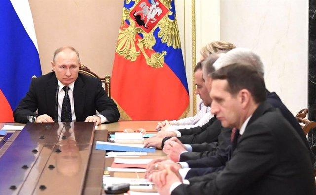 """EEUU.- Putin dice que trabajará con """"cualquier futuro presidente de EEUU"""" y ve e"""