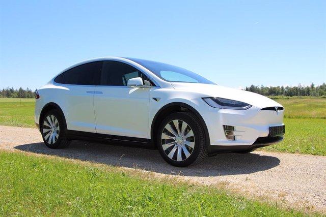 Tesla añade la autenticación de dos factores para proteger las cuentas de sus us