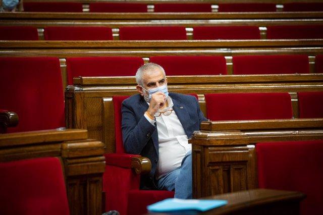 El líder de Ciutadans a Catalunya, Carlos Carrizosa, durant un ple al Parlament per tractar la crisi sanitària del coronavirus. Barcelona, Catalunya, (Espanya), 6 d'octubre del 2020.