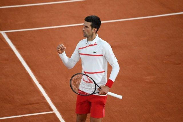 Tenis/Roland Garros.- Djokovic acaba con la aventura de Carreño en Roland Garros