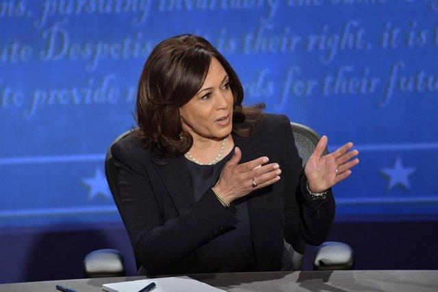 La candidata demòcrata a ocupar la presidència dels Estats Units, Kamala Harris, en el debat amb el seu oponent i actual vicepresident, Mike Pence.