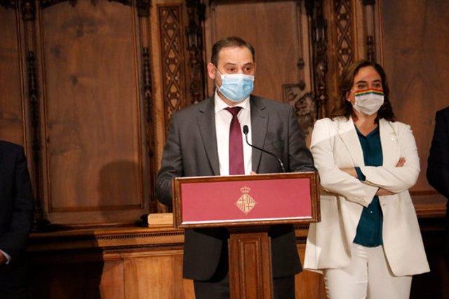 El ministre de Transports, Mobilitat i Agenda Urbana, José Luis Ábalos, en un acte a l'Ajuntament de Barcelona el 8/10/2020 (horitzontal)