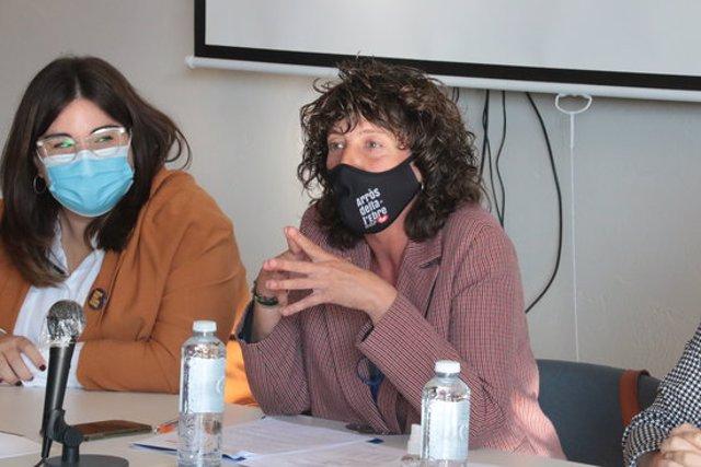 Pla mitjà de la consellera d'Agricultura, Teresa Jordà, amb la directora general de Joventut, Laia Girós, durant la inauguració del 1r Networking Odisseu Segrià, el 8 d'octubre del 2020 a l'Escola Agrària d'Alfarràs. (Horitzontal)