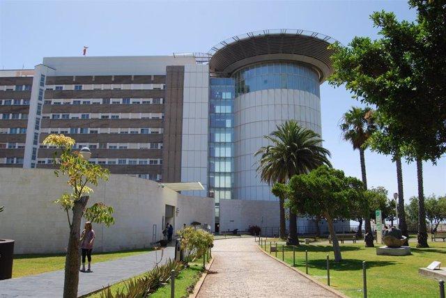 Coronavirus.- Unas 261 personas permanecen ingresadas en el hospital en Canarias por coronavirus, 52 de ellas en UCI