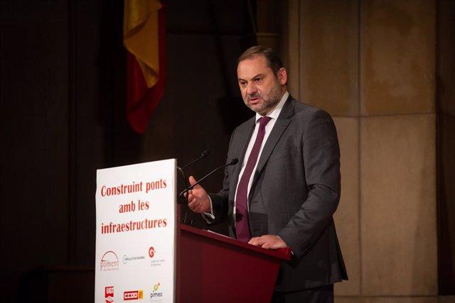 El ministre de Transport, Mobilitat i Agenda Urbana, José Luis Ábalos, en la jornada de Foment del Treball 'Construint ponts amb les infraestructures'. Barcelona, Catalunya (Espanya), 8 d'octubre del 2020.