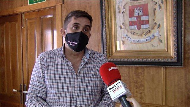 El primer teniente de alcalde Almodóvar del Río (Córdoba), Ramón Hernández, durante la entrevista concedida a Europa Press Televisión.