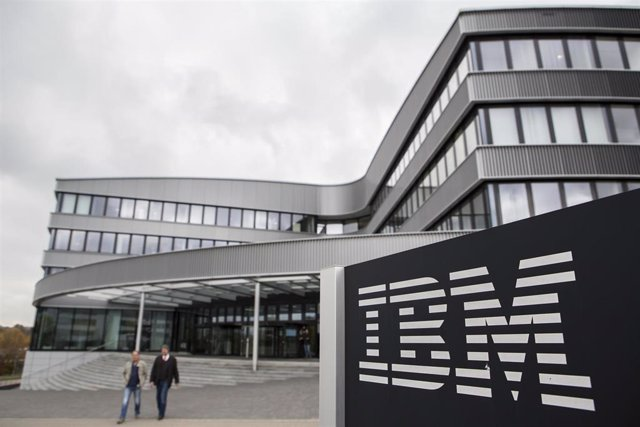 FILED - 26 October 2016, Ehningen: An IBM logo can be seen in front of the company branch in Ehningen. The technology giant IBM was number one among the consulting firms of the federal government in the first half of the year. Photo: Silas Stein/dpa
