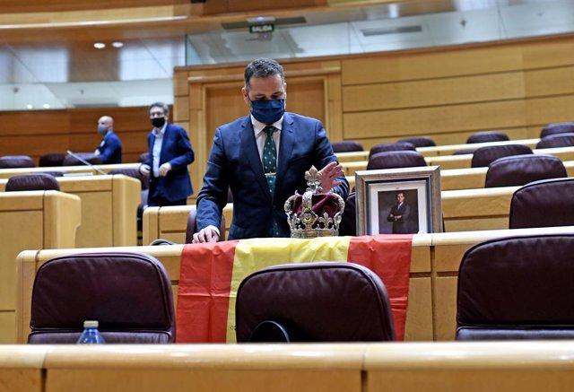 Echenique se burla del senador el PP que recibió a Iglesias con una corona y una