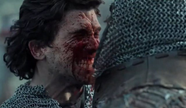Jaime Lorente alza su espada en el épico teaser trailer de El Cid