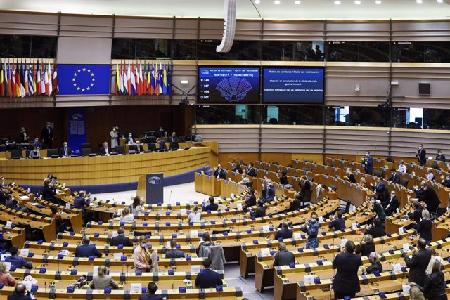 """UE.- La Eurocámara pide prohibir las prácticas laborales sin remunerar: """"Suponen"""