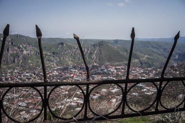 Armenia/Azerbaiyán.- Heridos tres periodistas rusos en un bombardeo en Nagorno K